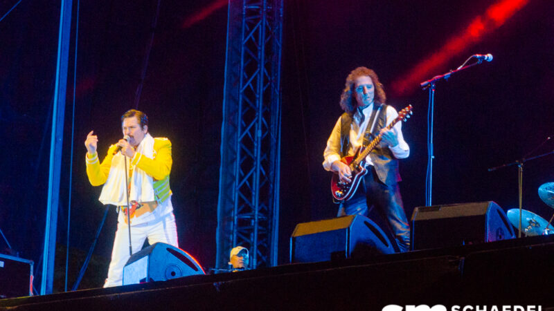 Galerie: God Save the Queen – Queen Revival Band @Strandkorb Open-Air Bostalsee